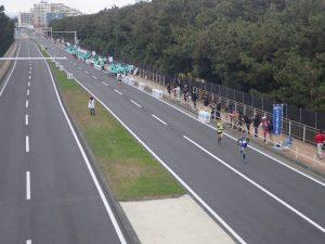 湘南国際マラソン2位集団