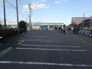 寒川神社 初詣 コンビニ駐車場