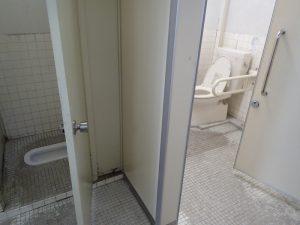 小田原城址公園 市立図書館 トイレ 大便器