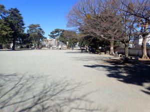 小田原城址公園 二の丸広場 ベンチ