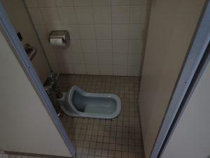 小田原フラワーガーデン 管理棟 2F 男子トイレ 和式タイプ