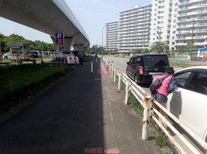 海の公園 臨時駐車場 路上待ち