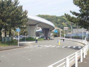 海の公園 柴口駐車場前の道路 繁忙期