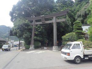 高千穂神社:鳥居と表参道入口