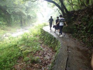安河原:遊歩道、柵がない