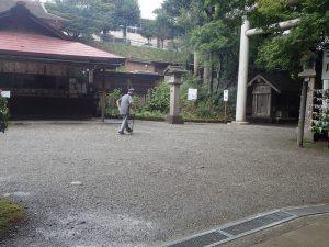 天岩戸神社西本宮:参道での杖移動、杖歩行