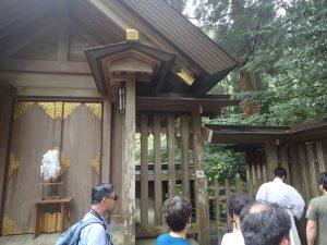 天岩戸神社西本宮:神職による案内ガイド、撮影禁止エリア
