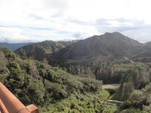 草千里:烏帽子岳の裏側周辺の山