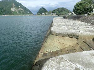 三角西港:安山石
