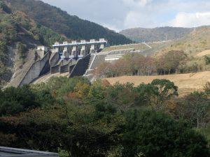 丹沢湖:ダム広場 駐車場からの景色