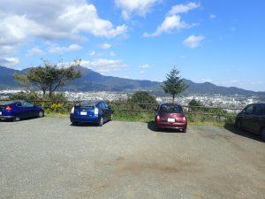 震生湖:駐車場(見晴し付き)