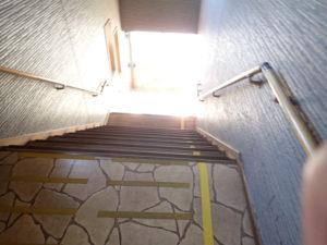 七沢荘:露天風呂までの急階段