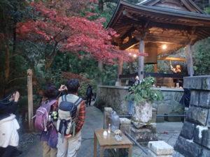 大山寺とモミジ:開運鐘(鏡楼)