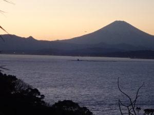江の島:日没後と富士山