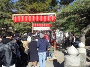 平塚八幡宮:大鳥居からの混雑