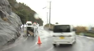 1日2台が横転する事故:2回目の事故画像